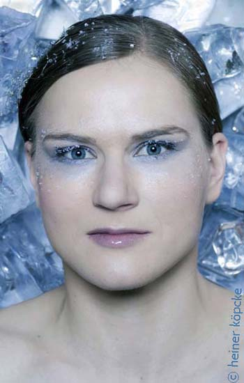 <h2>Jenny Wolf</h2><div id='trenner'></div>Jenny Wolf, Eisschnelllauf, Olympiaserie &quot;Eiskalt&quot; <div id='trenner'></div> <div id='tags'>Schlagworte: <a href='/kategorie/eisschnelllauf' rel='tag' title=''>Eisschnelllauf</a> | <a href='/kategorie/jenny_wolf' rel='tag' title=''>Jenny Wolf</a> | <a href='/kategorie/olympia_2010' rel='tag' title=''>Olympia 2010</a> | <a href='/galerie/olympiaserie_2010' rel='tag' title='Olympiaserie &quot;Eiskalt&quot; 2010 mit deutschen Olympiastars'>Olympiaserie 2010</a></div>